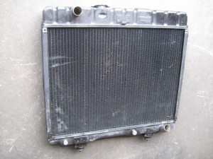 Mercedes−Benz 230GE RADIATOR