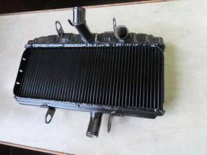 SUZUKI GT750 Radiator