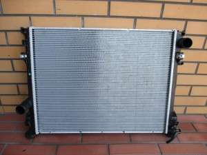 y2007 Dodge Charger Radiator