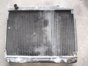 MercedesBenz W107 Radiator