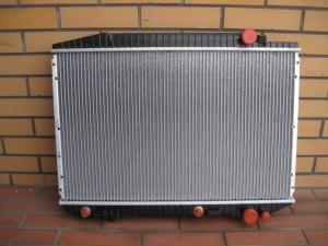 BENZ S-CLASS W126 RADIATOR