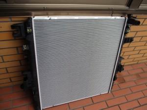 2012〜 INFINITI(インフィニティ) QX56 ラジエーター販売