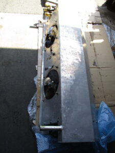 東プレ製 冷凍機 J32ASC-8 エバポレーター修理